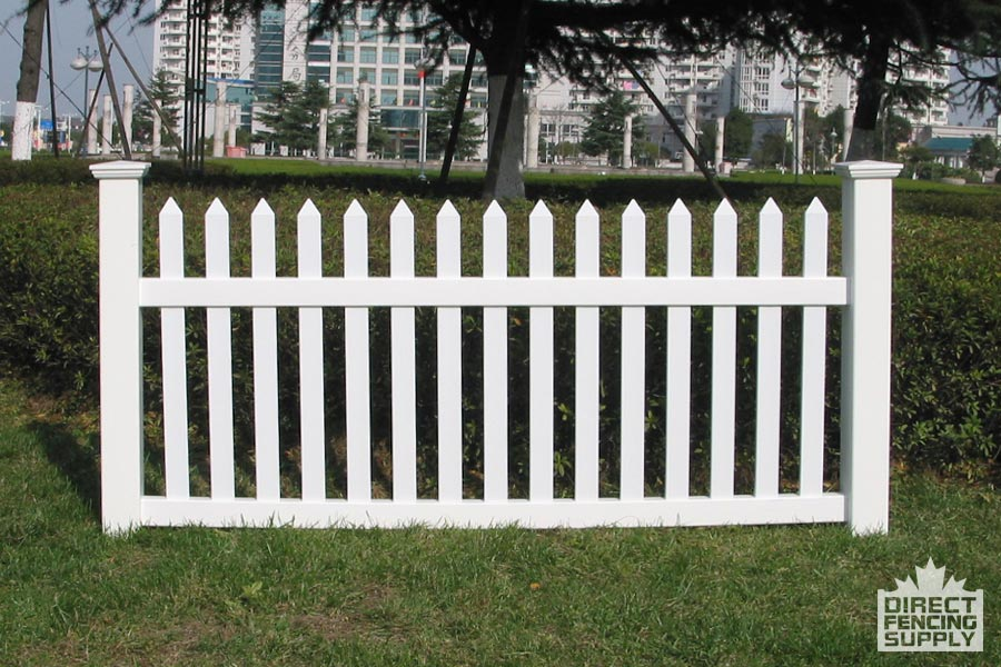 Front yard PVC picketed fence installation Ottawa