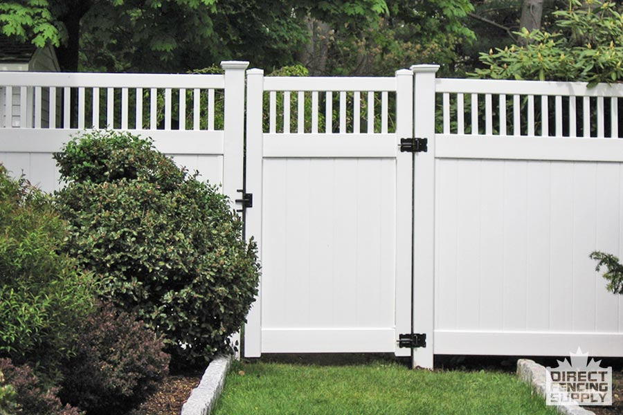 Good neighbour vinyl fence with vertical pickets and gate