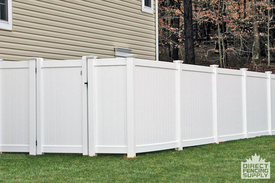 Low-maintenance vinyl fencing installation