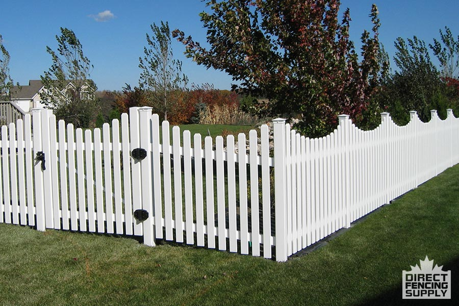 Narrow spacing vinyl scalloped picket fence with dog ear