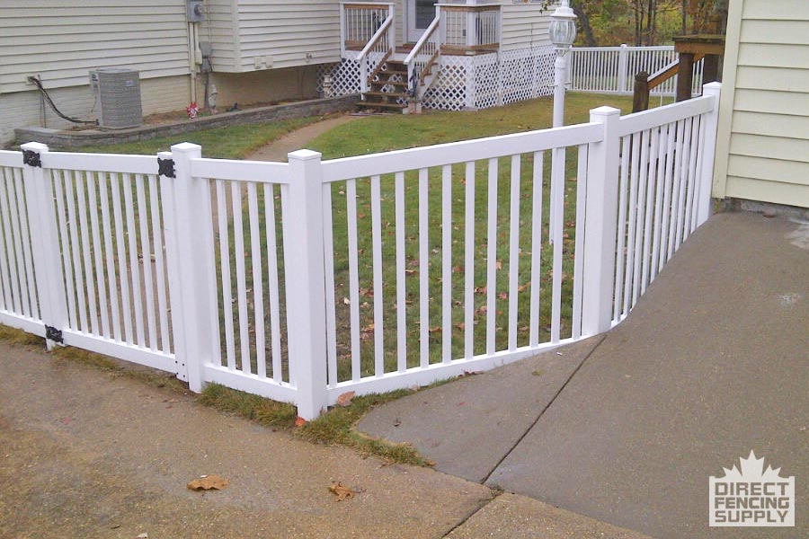 Picket fence with plastic spindles Manitoba