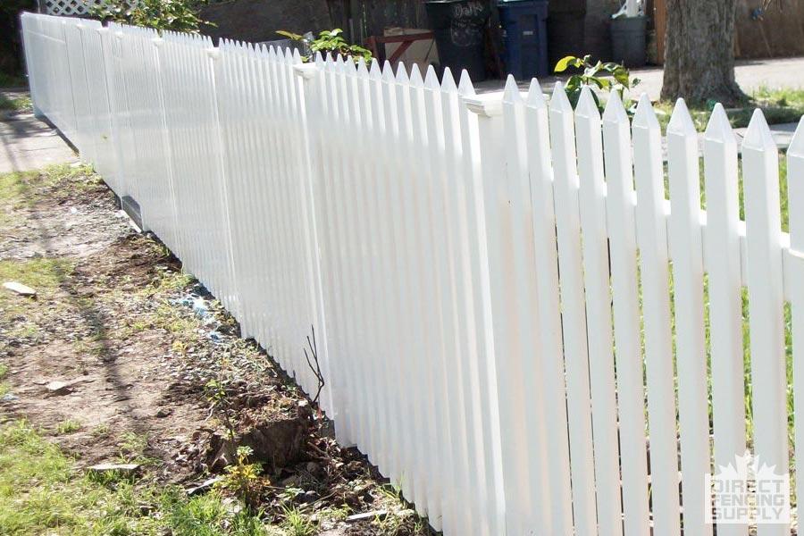 Straight spindle vinyl fence Red Deer, Alberta