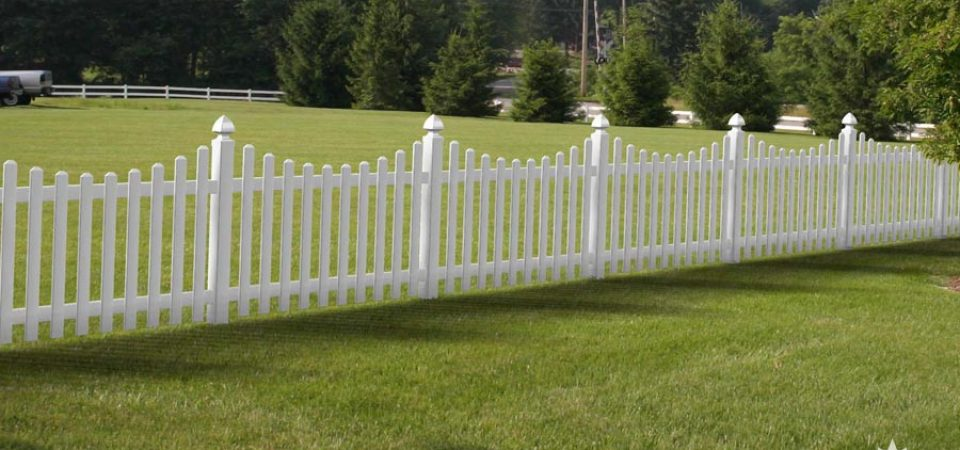 Vinyl fence for golf courses and parks