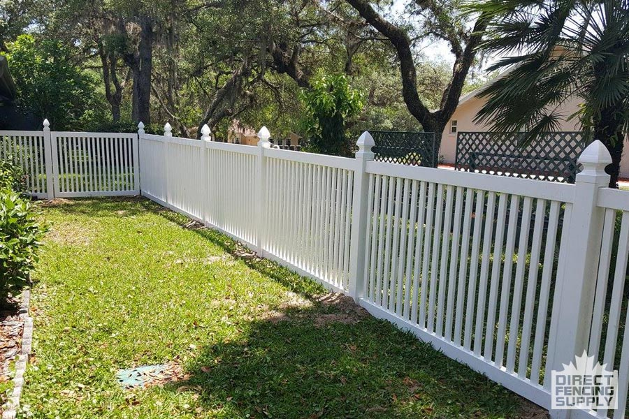 Vinyl fencing with narrow-slats Hamilton, Ontario