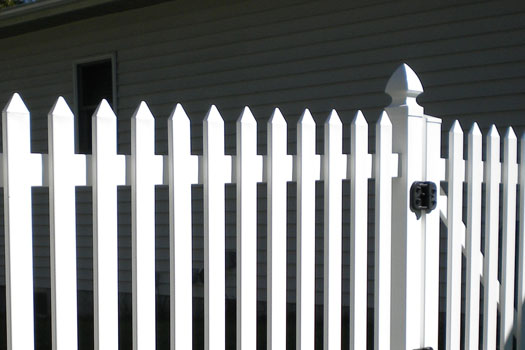 Spade picket cap for white PVC fence