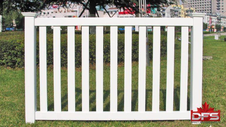 Lakeside Pool Vinyl Fence